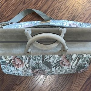 Floral overnight bag weekender crossbody strap EUC